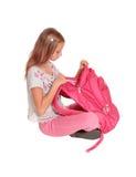 Chica joven que habla en su teléfono celular Imágenes de archivo libres de regalías