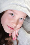 Chica joven que soña despierto Fotos de archivo libres de regalías