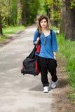 Chica joven que va para entrenar Fotos de archivo libres de regalías
