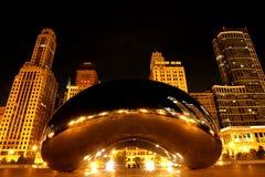 Chicago-Bohne nachts Lizenzfreie Stockfotos