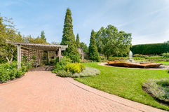 Chicago Botanic Garden, the rose garden area with Rose Petal Fountain, USA Stock Photography
