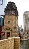 Chicago bridgehouse op de Rivier van Chicago in Maart Royalty-vrije Stock Afbeeldingen