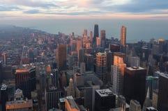 Chicago céntrica en la puesta del sol foto de archivo libre de regalías