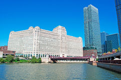 Chicago: canal cruise on Chicago River, skyline and the Merchandise Mart on September 22, 2014 Royalty Free Stock Images