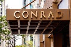 Chicago - circa maggio 2018: Conrad Hotel Location del centro Il Conrad è la marca dell'albergo di lusso di proprietà da Hilton W Fotografie Stock