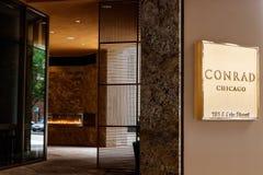 Chicago - circa maggio 2018: Conrad Hotel Location del centro Il Conrad è la marca dell'albergo di lusso di proprietà da Hilton W Immagini Stock