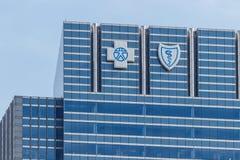 Chicago - circa mayo de 2018: El escudo azul cruzado azul establece jefatura de la señalización y del logotipo I fotografía de archivo