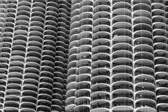 Chicago - circa mayo de 2018: Las torres icónicas de Marina City adentro en el centro de la ciudad Las torres han aparecido en la foto de archivo libre de regalías
