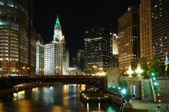 Chicago Citi bij nacht Royalty-vrije Stock Fotografie