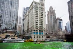 Tingidura do Chicago River foto de stock royalty free