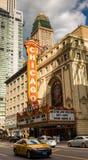 CHICAGO - 22 DE MARÇO: O teatro famoso de Chicago em State Street o Imagens de Stock Royalty Free