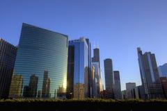 Chicago de stad in bij Zonsondergang Stock Fotografie