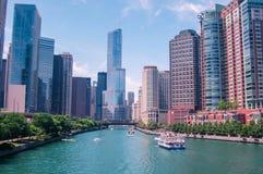 Chicago de stad in in de mooie dag stock afbeelding