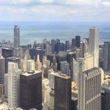 Chicago del centro alla notte in in bianco e nero Immagine Stock Libera da Diritti