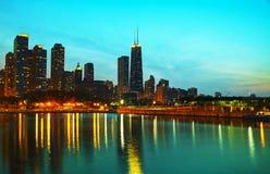 Chicago del centro, IL al tramonto Fotografia Stock Libera da Diritti
