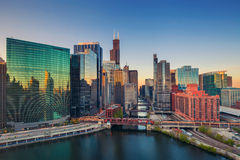 Chicago an der Dämmerung stockfotografie