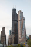 Chicago du centre, IL en soirée Photos stock