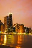 Chicago du centre, IL juste après le coucher du soleil Photo stock