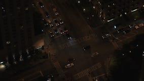 Chicago en la noche del edificio de hancock almacen de metraje de vídeo