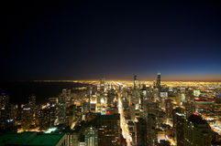 Chicago entro la notte Immagine Stock Libera da Diritti