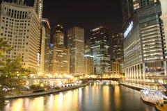 Chicago entro la notte Fotografia Stock