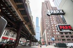 Chicago-Gebäude, sehr hohe Unkosten, overground Eisenbahn, Retro- Lizenzfreies Stockfoto
