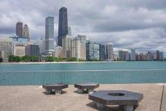 Chicago horisont från Milton Lee Olive Park Royaltyfri Foto