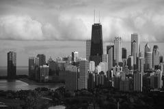 Chicago horisont i sommar Fotografering för Bildbyråer