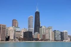 Chicago horisont i sommar Arkivfoton