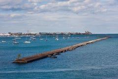 Chicago horisont med fartyg Royaltyfri Fotografi