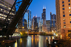 chicago i stadens centrum flodstrand Royaltyfri Bild