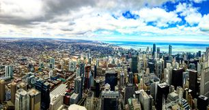 Chicago i stadens centrum sikt från däck för Willis tornhimmel Arkivbilder