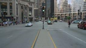 Chicago i stadens centrum trafik - Tid schackningsperiod stock video