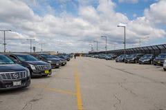 Chicago, IL, Etats-Unis, le 6 avril 2017 : Parking de limousine à l'aéroport international d'O'Hare, pour l'usage éditorial seu Photo stock