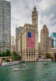 Chicago IL-Förenta staterna - Julyl 03, 2017: Turist- fartyg på th Royaltyfri Bild