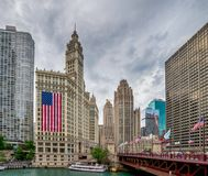 Chicago IL-Förenta staterna - Julyl 03, 2017: Turist- fartyg på th Royaltyfria Bilder