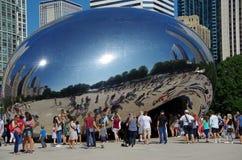 Chicago IL, Förenta staterna - September 3, 2017: Molnporten i millenium för Chicago ` s parkerar arkivfoto