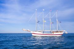CHICAGO, IL - 10 JULI, 2018 - het Lange Schip Winderige varen op Mi royalty-vrije stock foto
