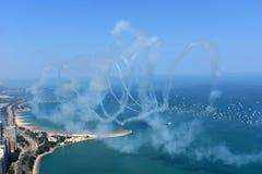 Chicago, Illinois - de V.S. - 19 Augustus, 2017: Vliegtuigen die vliegen met Stock Foto