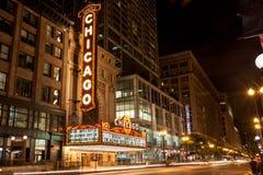 Chicago, Illinois/de V.S. - 28 Juni 2013: Het Theater van Chicago bij nacht wordt verlicht die Stock Fotografie
