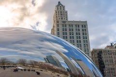 Chicago, Illinois/Estados Unidos Reflexión de Chicago céntrica en la puerta de la nube fotografía de archivo