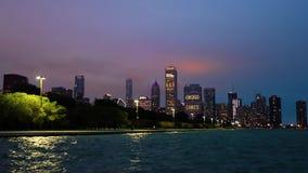Chicago, Illinois linia horyzontu przy nocą zbiory