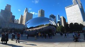 Chicago, Illinois los E.E.U.U. - 18 de octubre de 2018: Chicago Bob en parque del milenio almacen de video