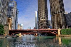 Chicago, Illinois und der Chicago River lizenzfreies stockbild