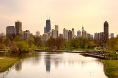 Downtown skyline and South Pond at Lincoln Park in Chicago Royalty Free Stock Photos