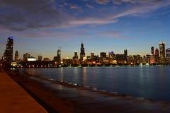 Chicago Illinois - USA - Juli 1, 2018: Chicago horisontreflexioner arkivbild