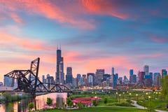 Chicago, Illinois, USA-Park und Skyline stockbild