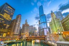 Chicago, Illinois, usa pejzaż miejski na rzece zdjęcia royalty free