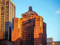CHICAGO, ILLINOIS usa Warwick Allerton hotel w zmierzchu Chicago obraz stock