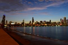Chicago, l'Illinois - Etats-Unis - 1er juillet 2018 : Réflexions d'horizon de Chicago photographie stock